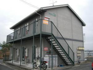 ラフォーレ上野 2号室